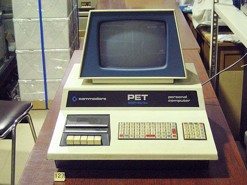 マイクロコンピューター PET2001...