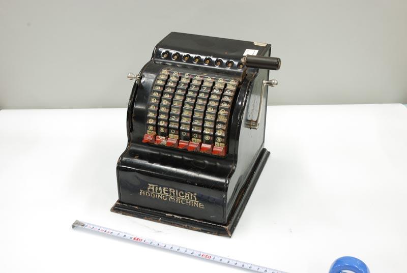機械式卓上加算器 American Adding Machine V | 卓上計算器および ...